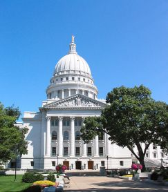 523px-Capitol_Madison,_WI